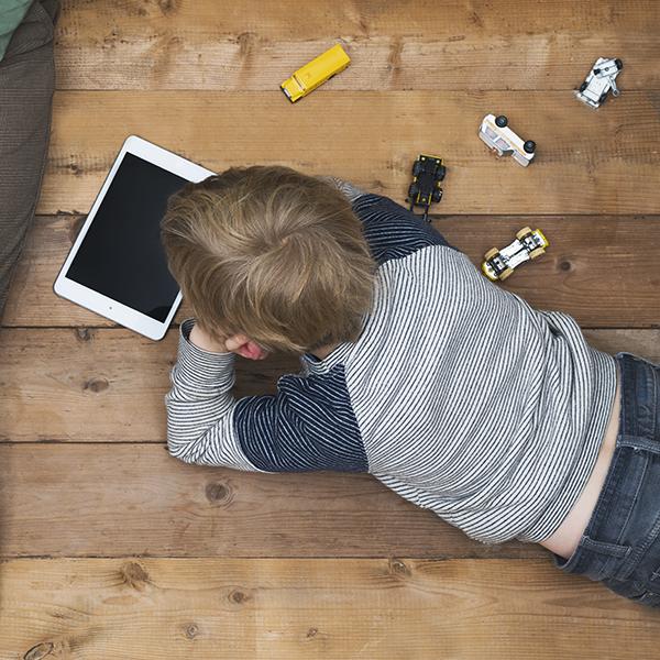 tracking kids' online